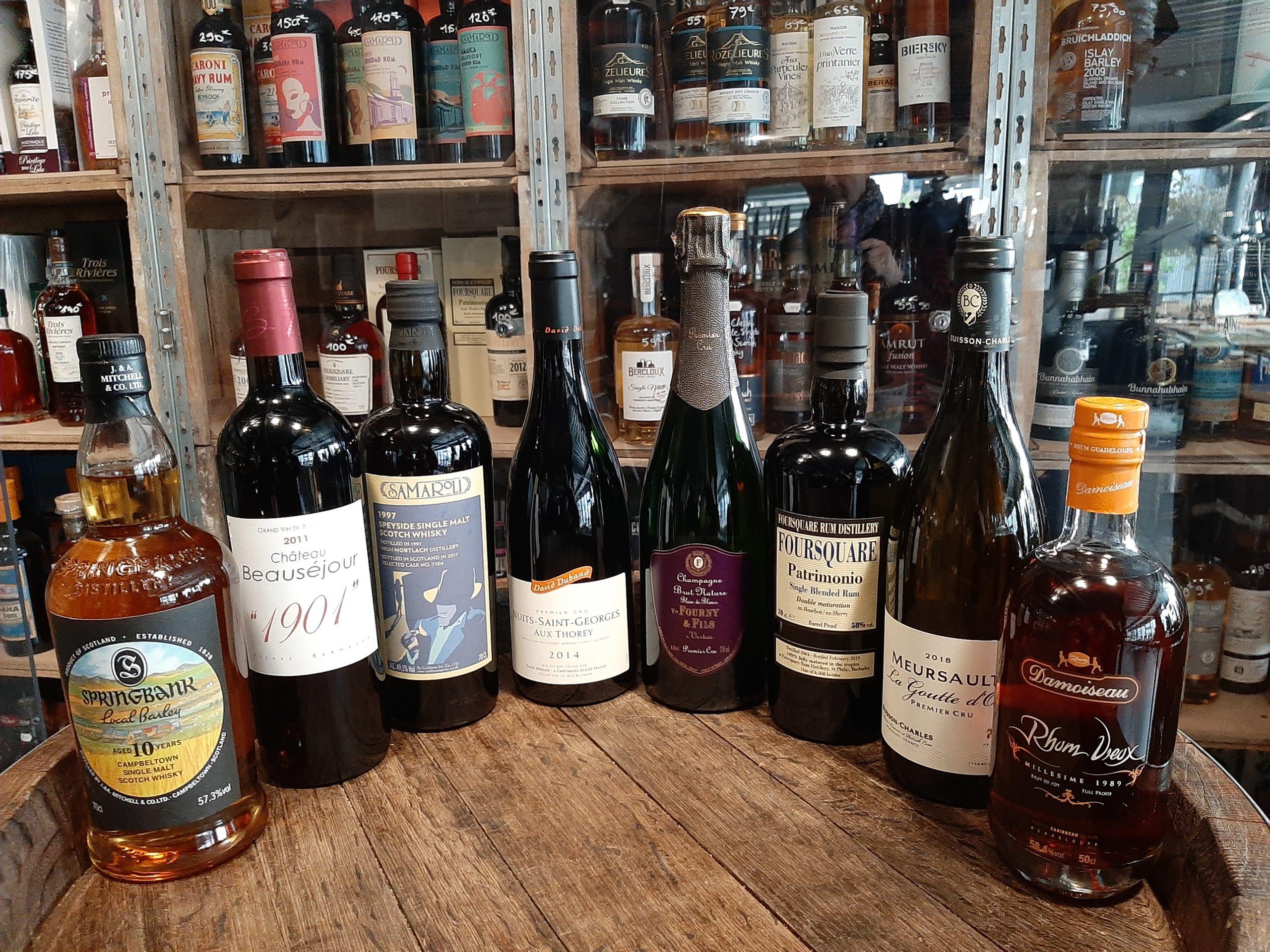ensemble de bouteilles en vente chez Le Vin dans les Voiles